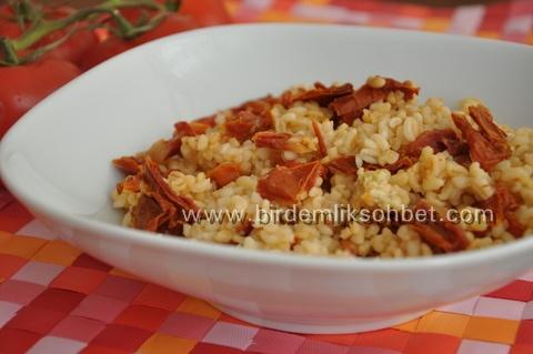 bulgur-pilavu-kuru-C4-B1tulmu-C5-9F-domatesli